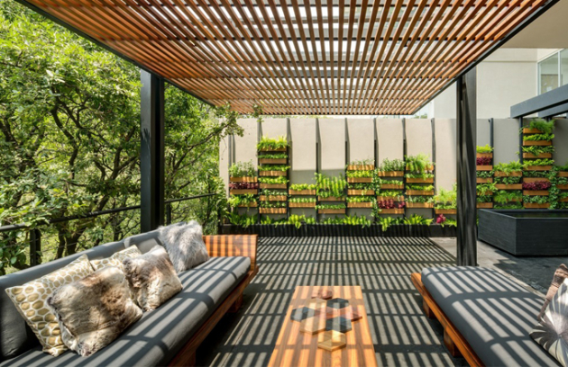 Harmonie vnitřních a vnějších prostor. Tak by se dalo jednoduše popsat bydlení v Mexiku, které v loňském roce získalo cenu Americké architektury za venkovní design. Vytváří dialog mezi nově vybudovanou stavbou a okolním prostředím.