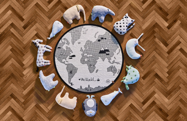 Mix dětských polštářků od dánského výrobce Oyoy, 100% bavlna, výplň – jemná polyesterová vlákna, cena od 1 290 Kč/ks, více na WWW.ELARTE.CZ