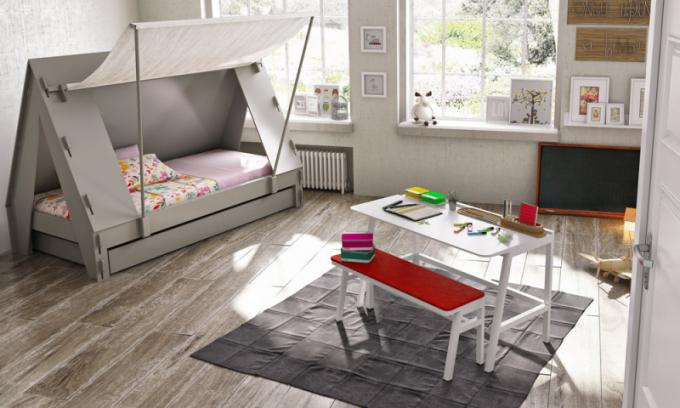 Stylová postel Stan (Mathy by Bols), MDF a lamino, plachta určena pro suché čištění, celkový rozměr 110 × 208 × 146 cm, matrace 90 × 190 cm, cena od 24 084 Kč, WWW.SPACE4KIDS.CZ