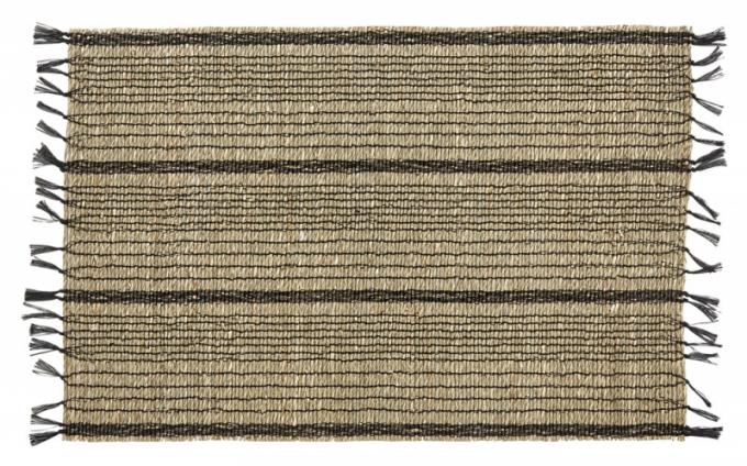 Prostírání z přírodní trávy prošité černou nití, 33 × 48 cm, cena 267 Kč, WWW.ICONIOO.CZ