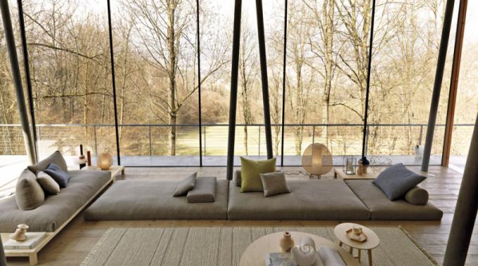 Pufy/sofa Haneda (Désirée), design Marc Sadler, výplň z přírodních materiálů: kokos, latex, peří, bavlna, cena na dotaz, WWW.PUNTODESIGN.CZ