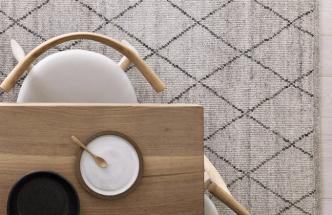 Ručně tkaný koberec Atlas (Armadillo), vlna a bavlna, 80 × 400 až 300 × 400 cm, cena od 16 500 Kč, WWW.ARMADILLO-CO.COM