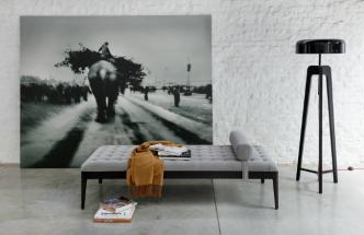 Chaise longue neboli dlouhá židle má vzácné postavení mezi solitérním nábytkem především proto, že je jednoznačně určena kodpočinku.
