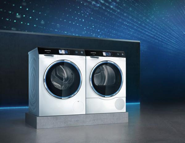 Na veletrhu byly vystavené také designově atraktivní modely pračky a sušičky řady avantgarde stěmi nejmodernějšími funkcemi. Ovládají se jako chytré telefony pomocí 5palcového, barevného, dotykového displeje, který se nachází na zkoseném ergonomickém panelu. Dalším charakteristickým designovým prvkem jsou modře podsvícená dvířka zapuštěná do přední části spotřebiče tak, že při zavření vůbec nevystupují do prostoru