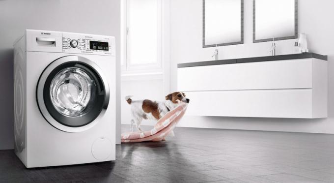 Pračka ze Série 8 (Bosch), energetická třída A+++, šetrná a účinná technologie ActiveOxygen, cena 22 990 Kč, WWW. BOSCH-HOME. CZ
