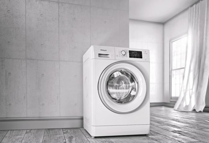 Pračka FreshCare+ (Whirlpool), technologie 6. smysl, ovládání prostřednictvím mobilu nebo tabletu, cena 23 990 Kč, WWW. WHIRLPOOL. CZ