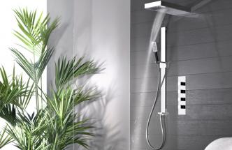 Sprchový set Private Wellness (Gessi), úsporný systém ventilů omezuje spotřebu vody, cena 29 149 Kč, WWW. DESIGNBATH. CZ