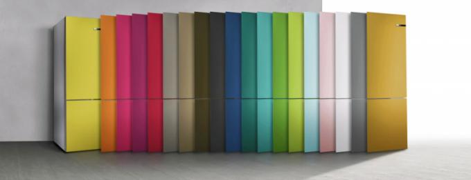 Možnost vyměnit u chladničky Bosch jednoduše čelní panel a změnit její barvu sice nemá vliv na funkce provozu, potěší ale všechny, kteří mají rádi změnu. Cena náhradních panelů je 5 390 Kč, WWW. BOSCH-HOME. CZ