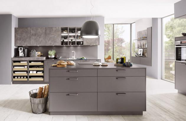 Kuchyň Tamara (Naturel), odolný lakovaný laminát, povrchová úprava supermat, odstín matná šedá, délka sestavy 2,7 m, cena od 30 076 Kč, WWW. SIKO. CZ