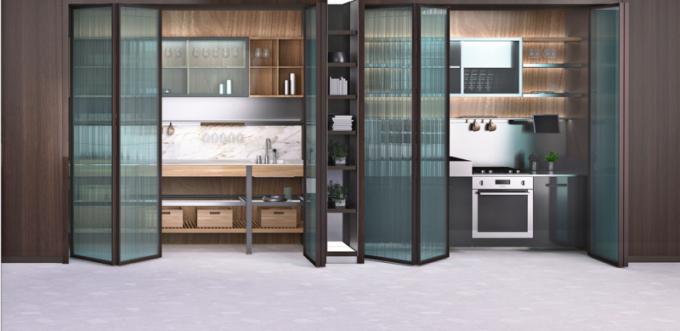 Nový projekt Inside System (Ernestomeda) představuje originální kompoziční prvky společné pro různé kuchyňské modely a shodně tak také nové řady povrchů a materiálů, více u prodejce WWW. CSKARLIN. CZ