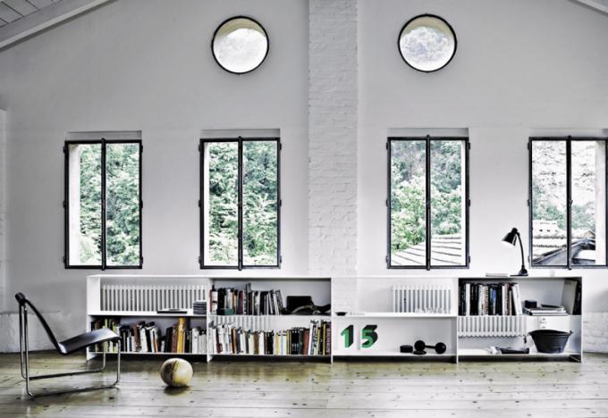 Knihovna Fill Lowboard (Desalto), design Studio Ausenda Greco, hliník s ultratenkým profilem, cena na dotaz, WWW. STOCKIST. CZ