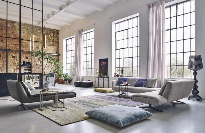 Sedací souprava Bundle Sofa (Walter Knoll), design EOOS, ocel, dřevo, textilie i kůže, orientační cena 287 000 Kč, WWW. KONSEPTI. COM