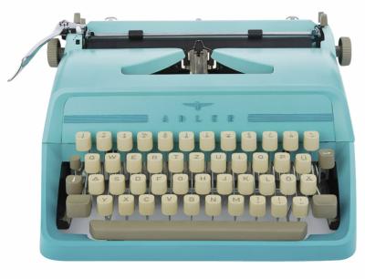 Psací stroj Judy (Adler), 35 × 33 × 16 cm, cena 5 282 Kč, WWW. ETSY. COM