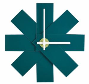 Nástěnné hodiny Watch Me (Normann Copenhagen), design Rasmus Gottliebsen, lakovaná MDF, O 28,5 cm, cena 1 350 Kč, WWW.DESIGNVILLE.CZ
