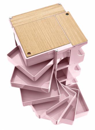 Kontejner Boby (B-line), design Joe Colombo, konstrukce a zásuvky z ABS plastu, polypropylénová kolečka, 43 × 42 cm výška 94,5 cm, cena 15 904 Kč, WWW.PUNTODESIGN.CZ