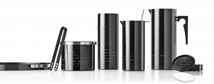 Kolekce ikonických konvic a příslušenství Statement (Stelton), design Paul Smith, lesklý černý odstín, titan, cena od 990 Kč, WWW. MADEINDESIGN. CO. UK