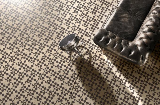 Ukázka kompozice obkladu Domino 12 z kolekce Square (Bisazza), design India Mahdavi