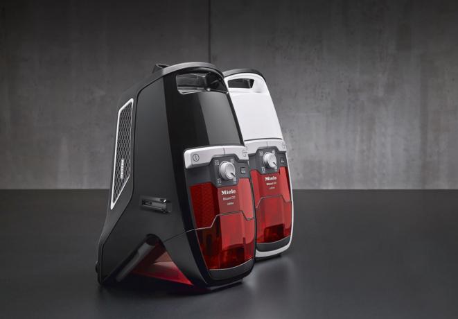 Bezsáčkový vysavač Blizzard CX1 Jubilee PowerLine – SKRF3 (Miele), technologie Vortex, bezúdržbový filtr Lifetime, cena 9 990 Kč, www.miele.cz