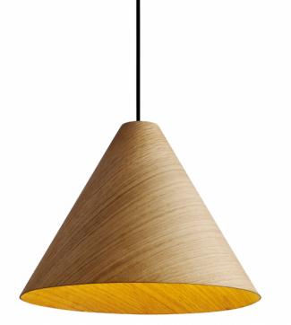 Závěsná lampa 30 Degrees (Hay), dřevěná dýha, několik velikostí, cena od3290Kč, www.designville.cz