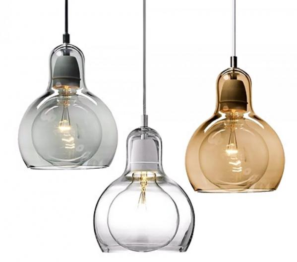 Závěsná svítidla Mega Bulb (And Tradition), ručně foukané sklo, kabel ztransparentního PVC, cena 4130Kč, www.designville.cz