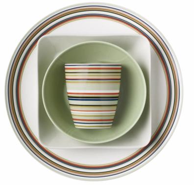 Série origo (Iittala), porcelán, cena od530 Kč/ks,  www.designville.cz