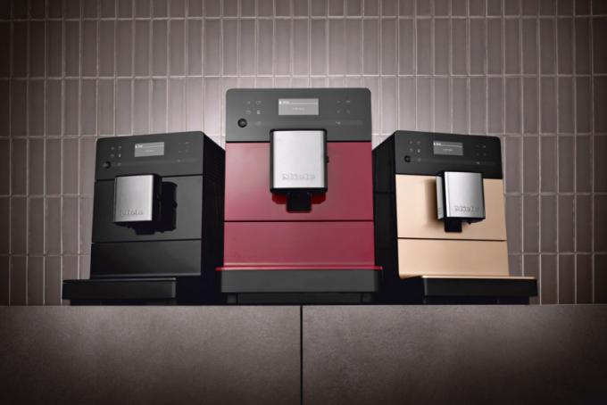 Volně stojící kávovary (Miele vespolupráci sDallmayr), One Touch for Two, Cappucinatore, cena od23990Kč, www.miele.cz