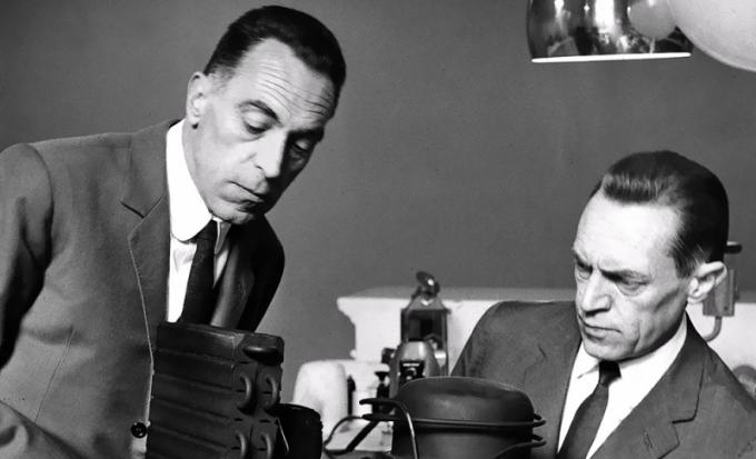 Pier Giacomo Castiglioni (1913–1968) aAchille Castiglioni (1918–2002)