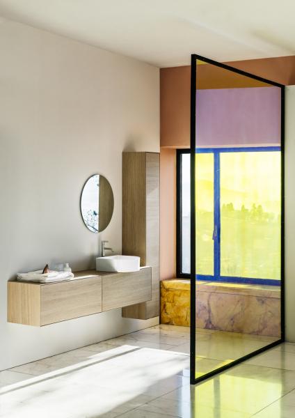 Umyvadlo Sonar ozvláštní geometrický interiér, typický půlobloukový tvar série postavte do kontrastu s ostrými úhly a vytvoříte osobitý styl. Umyvadlo od 10 370 Kč