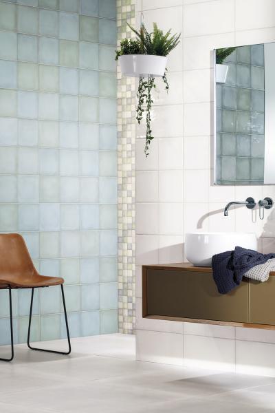 Série Retro zaujme tradiční barevností a jemně zvlněným povrchem, který připomíná atraktivní nedokonalost ruční práce, cena 366 Kč/m2