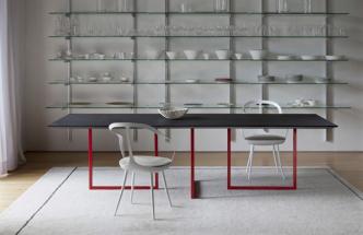 Jídelní stůl, který si udržuje linii
