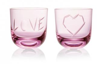 Valentýnské ruční broušení iniciálů na skleničky LOVE v Rückl Flagship Store