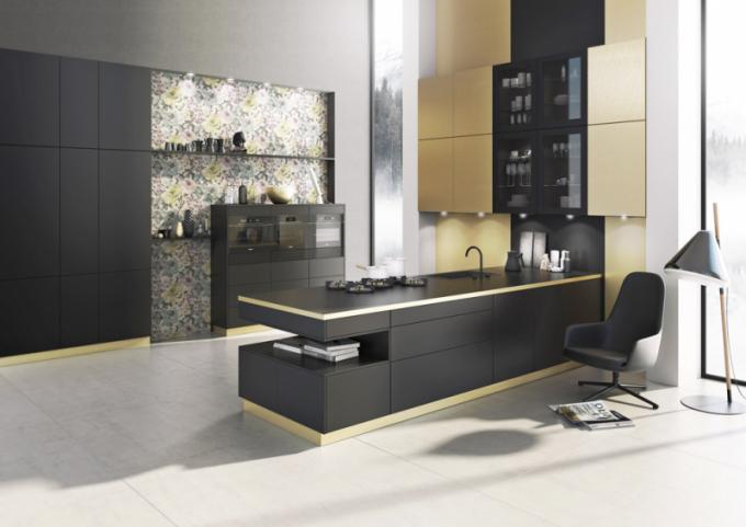 Kuchyňský koncept Berlin/Singapur (Bauformat), černý hedvábný mat zastoupený linií Berlin amosazný povrch brass zastoupený linií Singapur, cena nadotaz, WWW.ORESI.CZ