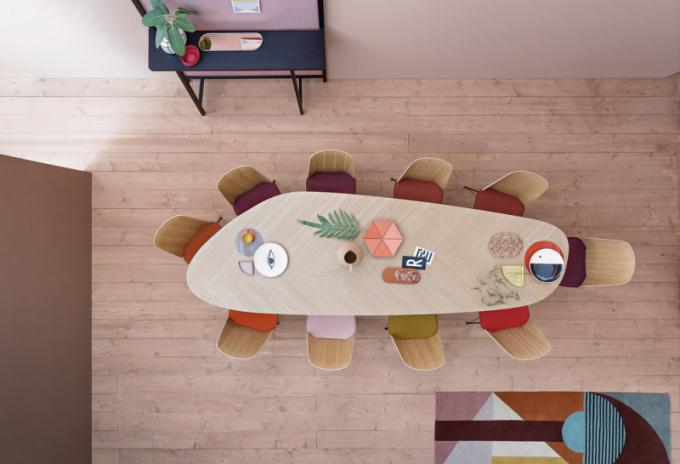 Stůl Tweed (Zanotta), design Garcia Cumini,  hliník adřevěná dýha, 300  × 100cm, cena 102300Kč,  www.puntodesign.cz