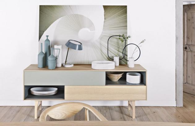 Kuri (Novamobili),  design Makoto Kawamoto, dřevo alakovaná MDF,  182,8 x 73,6 x 43cm,  cena 59222Kč,  www.casamoderna.cz