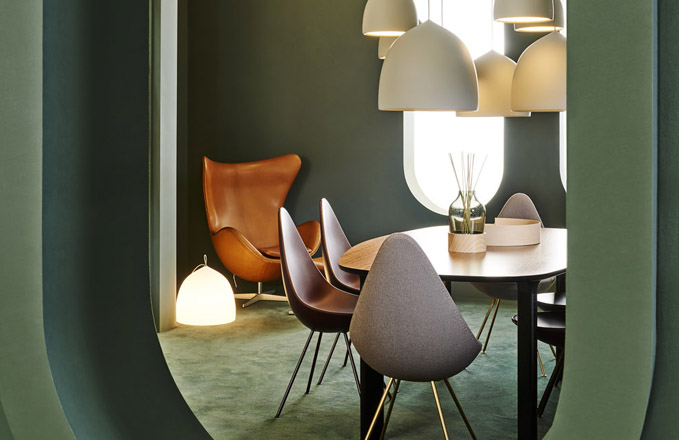 Suspence (Lightyears), design Gam Fratesi, hliník, Ø 24 a38,5cm, cena od 7521Kč, www.lightworks.cz