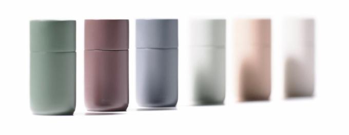Mlýnky na koření, sůl apepř Peili (Zone Denmark), jsou vyrobeny z barveného březového dřeva s vysoce kvalitními mechanismy CrushGrind, cena od 1 159 Kč, WWW.bonami.CZ