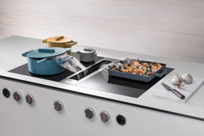 Varná deska sintegrovanou digestoří Bora Profesional 2.0 (Bora), umožňuje volnost při projektování kuchyně, je tichá, 100% efektivní, orientační cena od118881Kč bez DPH, www.cskarlin.cz