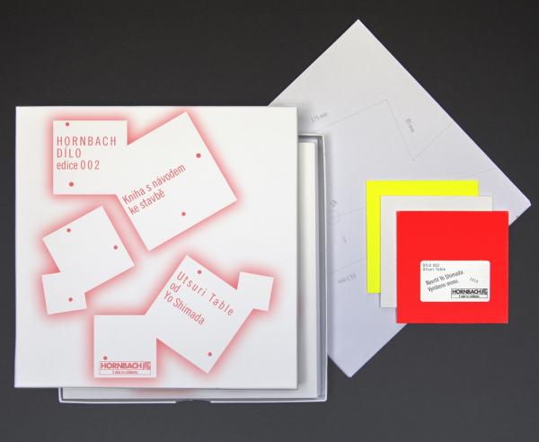 Box HORNBACH edice DÍLO 002 s návodem pro montáž, šablonou pro vyříznutí konstrukčních dílů a plaketou pravosti je možné koupit za 199 Kč v projektových marketech Hornbach.