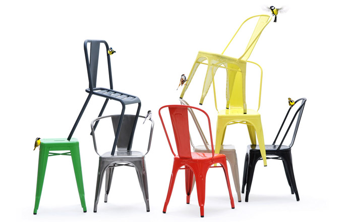 Židle Chair A (Tolix), design Xavier Pauchard, kov, 85 × 51 × 46cm, výška sedáku 44cm, stohovatelná, vevíce barvách, cena 7 127 Kč, www.LINO.cz
