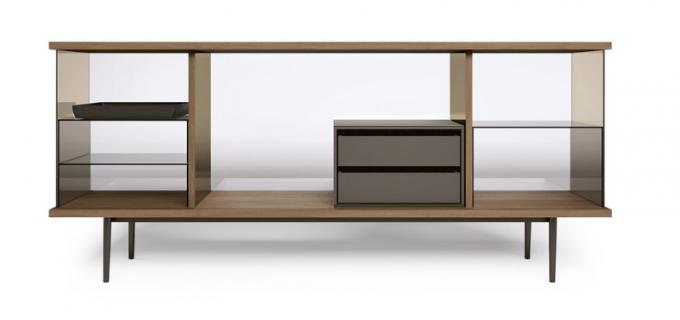 The Farns (Walter Knoll), design EOOS, dřevo, kov asklo, cena 162 780 Kč, WWW.KONSEPTI.COM