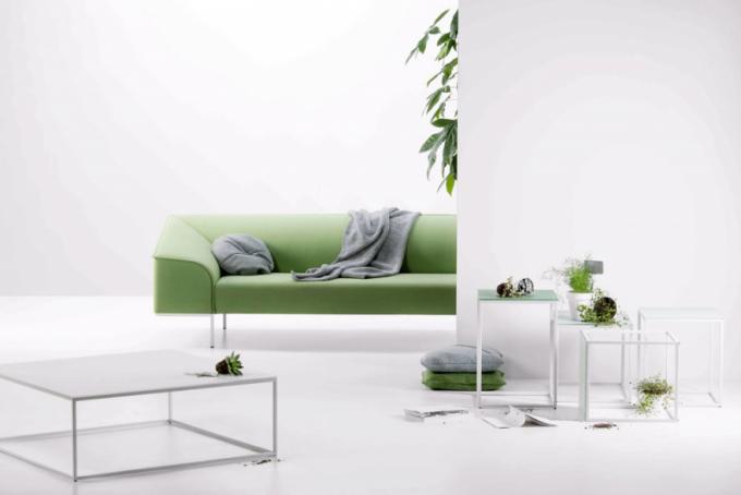 Odkládací stolky Frame (Prostoria), design Sanja Knezovic, kovová základna, laminát, více velikostí, cena od10900Kč,  WWW.DEFAKTO.CZ