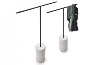 Věšák Tonbo (Living Divani), design Junpei & Iori Tamaki Design Studio, kov, mramor, cena nadotaz, www.stockist.cz