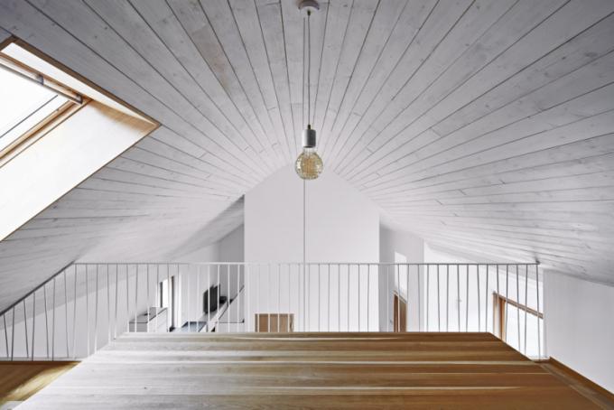 Zajímavým řešením je zaoblené podbití střechy