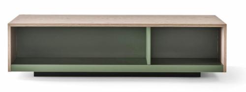 Odkládací stolek Seven (Novamobili), design Studio Gherardi, nabídka mnoha materiálových abarevných provedení, 90 × 50 × 23cm, cena 13 654 Kč, WWW.CASAMODERNA.CZ