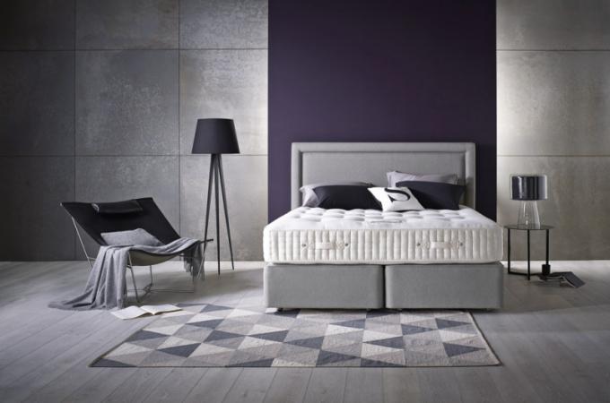 Dvoulůžková postel Satrapa (Somnus), výběr čalounění látkou, kůží či alkantarou, 200 × 200 cm, cena na dotaz