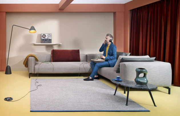 Pohovka Ziggy (Pode), design Pascal Bosetti, kovová základna, látkové čalounění, cena nadotaz, www.pode.eu