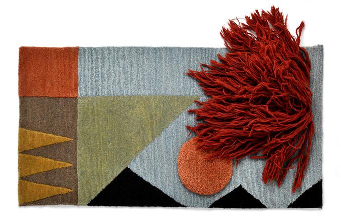 Sto let pozaložení školy Bauhaus reinterpretuje designérka Mareike Lienau malby výtvarnic dané doby apřevádí je doformy textilních nástěnných dekorací Lyk Carpet xBauhaus (Lyk Carpet).