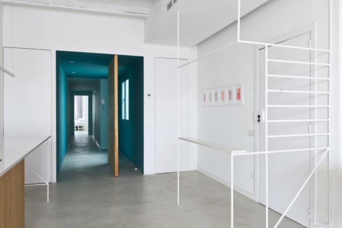 Konstrukce z bílých trubek jsou jedním z nosných témat celého projektu