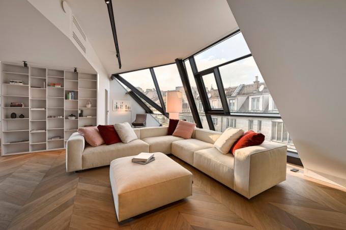 Interiéry penthousů v jedné z nejatraktivnějších vídeňských čtvrtí kombinuje klasický a moderní design respektující uměleckou hodnotu historického kontextu.