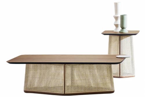 Kávové stolky Colony (Miniforms), design Skrivo Design, výběr materiálového provedení, 110 × 60 × 37cm  a40 × 40 × 54cm, cena na dotaz, www.cskarlin.cz